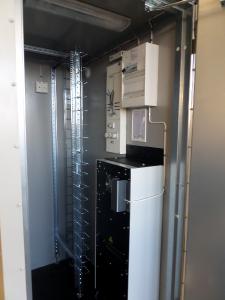 Elcentral och kyla på insidan på ett nodhus från RM Mekatronik